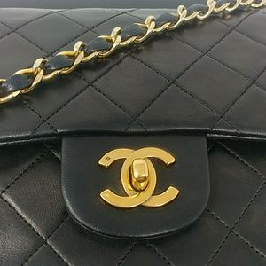 Auth CHANEL 2.55 Double Flap Bag More Pictures